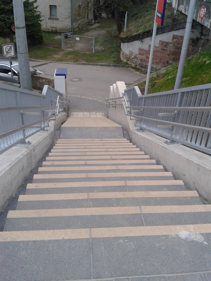 Treppenanlage-Bahnhof-Rheinweiler-2.jpg